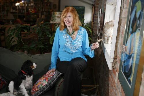 Author Julie Smith photo