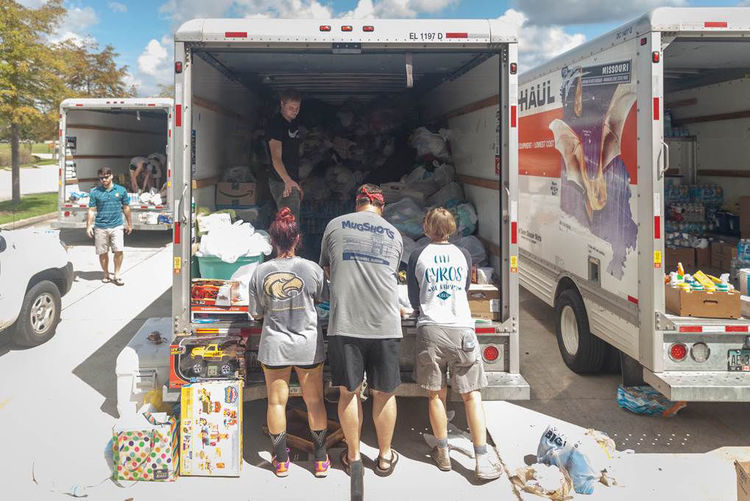 Meal Donations in Baton Rouge (photo from The Advocate)